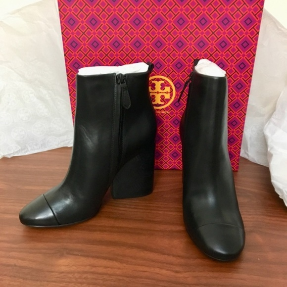 9c24bd9003c51e FIRM    NIB TORY BURCH grove Block heel boots 9